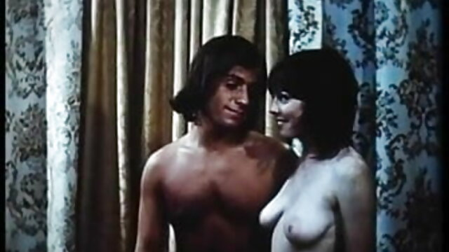 दोस्त सेक्स हिंदी फुल मूवी एक बड़ा डिक बंद झटका और बिल्ली में एक डिल्डो सम्मिलित करता है जो संचिका लड़की को देखता है