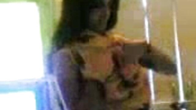 बिग गधा हिंदी मूवी हद सेक्सी माँ खुद को कुत्ते शैली गड़बड़ करने की अनुमति दी