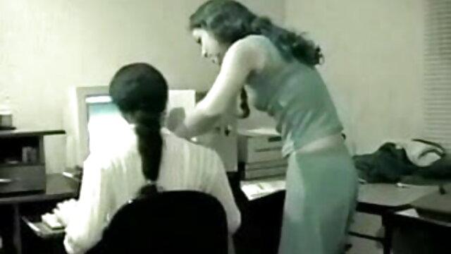 सिक्योरिटी गार्ड मूवी सेक्सी फिल्म वीडियो में ने गोरी को चोदा