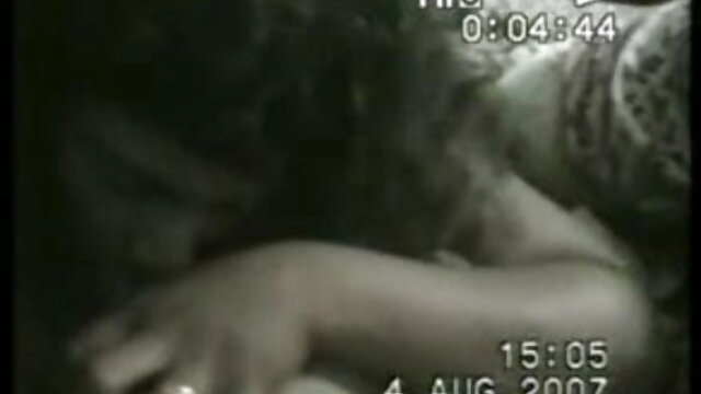 एक लड़की को जुनून से सेक्सी फुल मूवी वीडियो चोदो