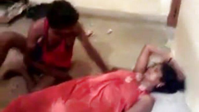 हॉट अमेरिकन लड़कियों सेक्सी फिल्म हिंदी वीडियो मूवी की एक नाइट क्लब में चुदाई