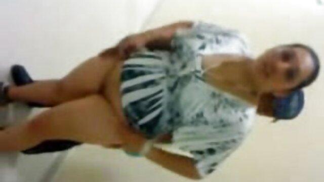 दंपति बेडरूम में वीडियो हिंदी मूवी सेक्सी 69 की स्थिति में चोदने के लिए सेवानिवृत्त हुए