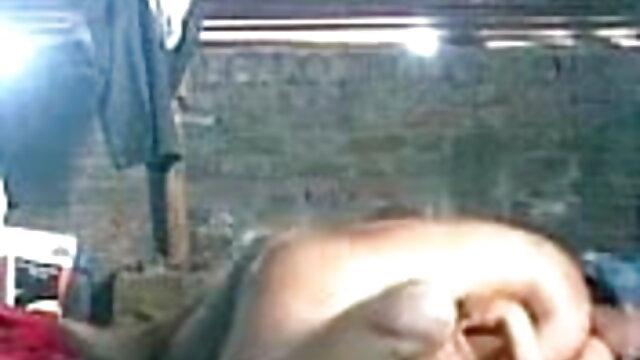 गोरा चुंबन साथी मूवी सेक्सी बीएफ जो उसके कूल्हों फैल भगशेफ