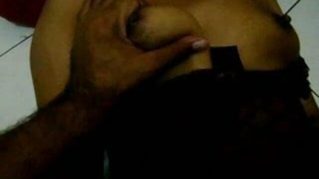 लड़की बाथरूम में गड़बड़ हो जाता सेक्सी मूवी हिंदी फिल्म है