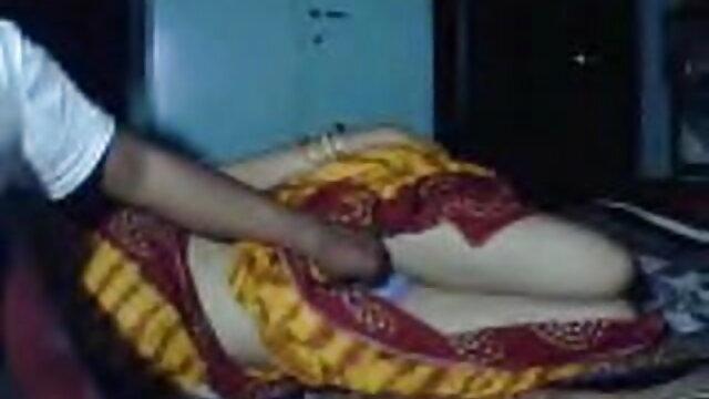 कडक निपल्स और हिंदी में फुल सेक्सी मूवी सेक्सी टांगो से चुस्त शरीर और चुदाई