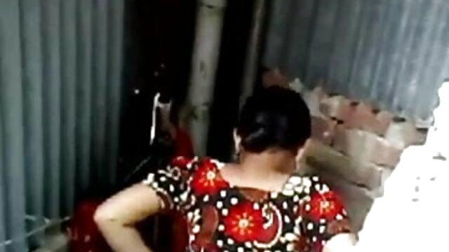 दो फुल सेक्स हिंदी फिल्म युवा सुंदरियों बिस्तर में लोगों के साथ बकवास