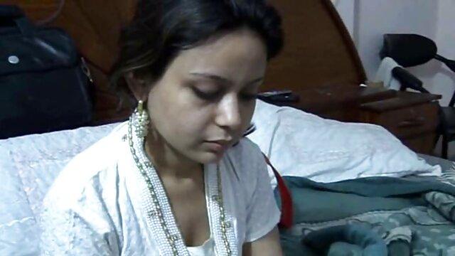 रंगे हिंदी सेक्सी मूवी वीडियो बालों वाली टैटू गर्ल फ्रेंड को भाती है