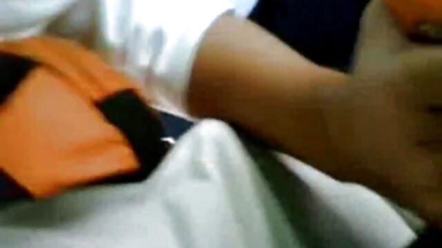 रूसी प्रेमी बिस्तर पर एक प्यारी की बिल्ली सेक्सी पिक्चर हिंदी मूवी में एक डिक डालता है