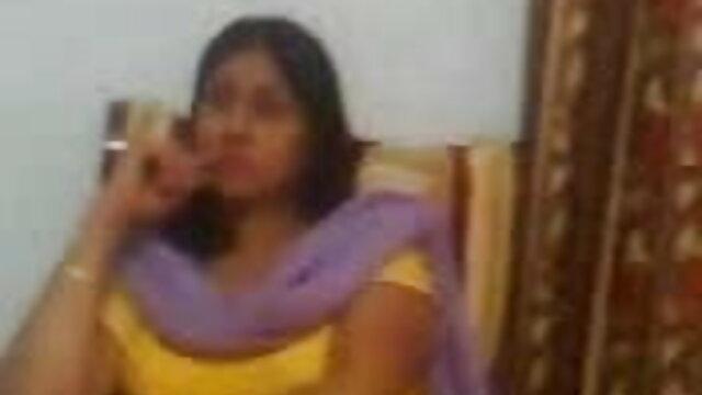 जवान लड़की को कैमरे के सामने दोस्त के सेक्सी हिंदी मूवी में साथ चुदाई का शौक नहीं था