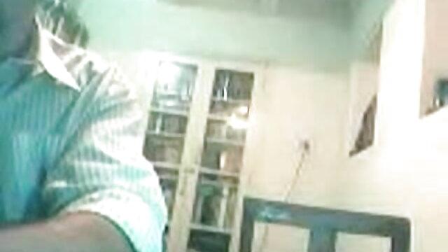 एक काले कपड़े में पत्नी एक दोस्त के साथ घर पर गधे में चुदाई करती है सेक्सी वीडियो फुल मूवी