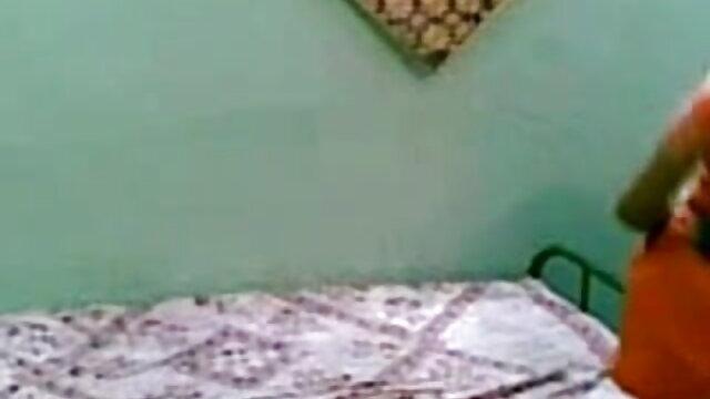 मां हिंदी में फुल सेक्स मूवी ने बेटी के साथ भाग लिया