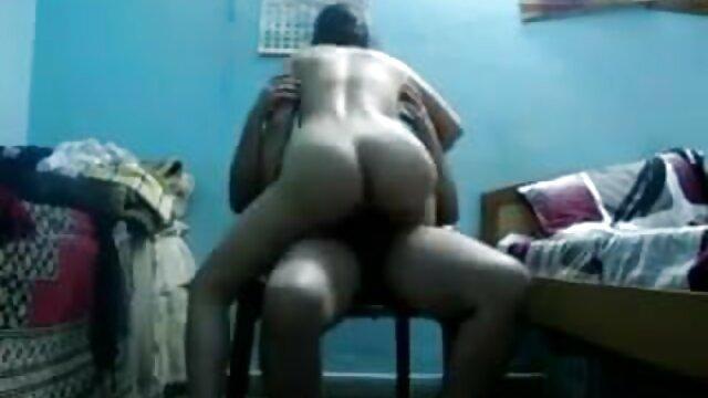 एक आदमी ने ग्लास वैन में एक सुंदरता सेक्सी वीडियो हिंदी में मूवी और उसके बड़े स्तन पर सह गड़बड़ कर दिया
