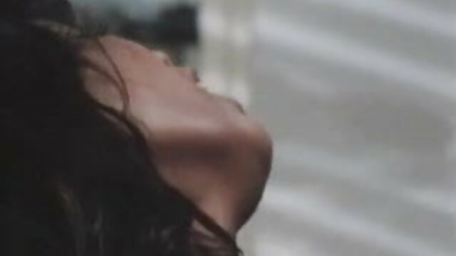 क्रिस्टन हिंदी में सेक्सी मूवी वीडियो स्कॉट गधा एक Bellboy द्वारा गड़बड़