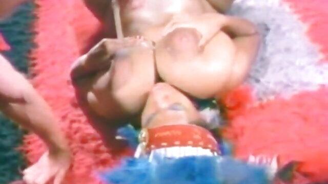 Perverts समलैंगिक त्रिगुट करने के लिए प्यार करता हिंदी में सेक्सी मूवी वीडियो हूँ