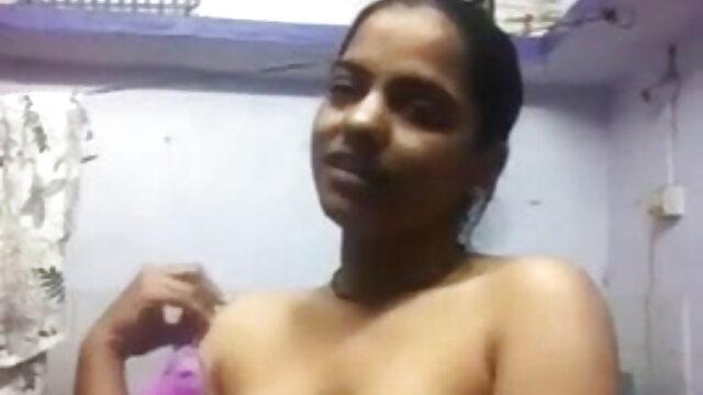मास्सेर ने साउथ सेक्सी मूवी हिंदी एक सुंदर ग्राहक को गड़बड़ किया