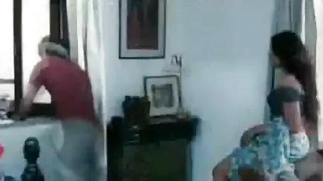 संचिका एमआईएलए बिल्ली सेक्स सेक्स फिल्म मूवी तेंदुए तकिए के साथ बिस्तर पर कमबख्त