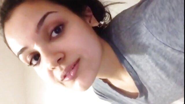 बड़े स्तन वाली हिंदी इंग्लिश सेक्सी मूवी महिलाएं