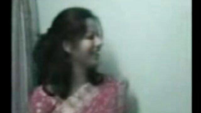 378 सोफे पर सेक्सी वीडियो फिल्म हिंदी मूवी चूसने