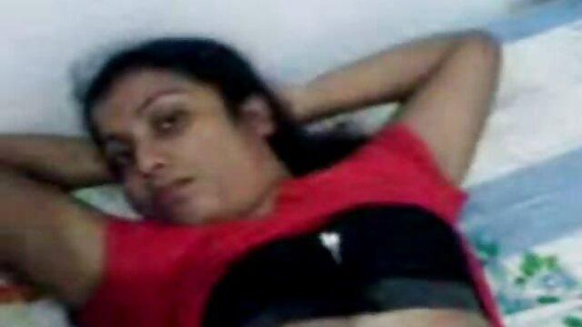 दोस्त को उसके सबसे अच्छे दोस्त की पत्नी के साथ अकेला छोड़ दिया गया और उसे सेक्स के लिए तलाक हिंदी सेक्सी वीडियो फुल मूवी दे दिया गया