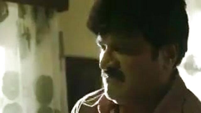 एक आदमी एक विस्तृत गुदा में छोटे स्तन हिंदी में सेक्सी फुल मूवी के साथ एक पतला milf fucks