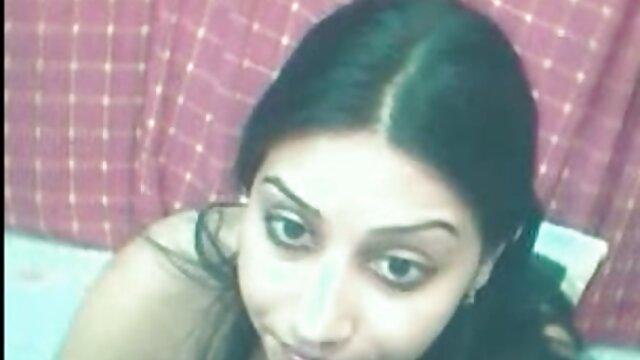 एक छात्रावास में एक छात्रा सेक्सी हिन्दी मूवी के सहपाठी के गले में एक छात्र का पाउंड
