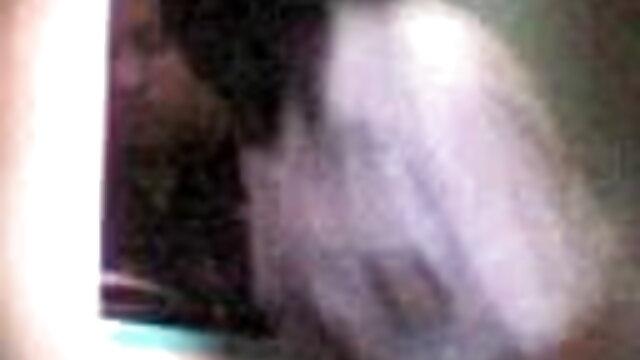 चूत सेक्स हिंदी फुल मूवी में काले मोज़ा में युवा किरायेदार एमआईएलए बैंग्स