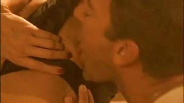लाना रोड्स दो लड़कों द्वारा हर छेद फुल हद में सेक्सी मूवी में गड़बड़ हो जाता है और उसके चेहरे को सह से भर जाता है