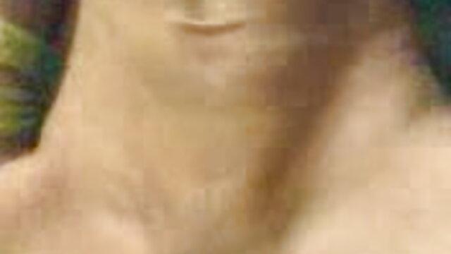 मोज़ा और दस्ताने में छोटे स्तन वाली महिला ने भोजपुरी हिंदी सेक्सी मूवी गुदा में सज्जन को खुद को दिया