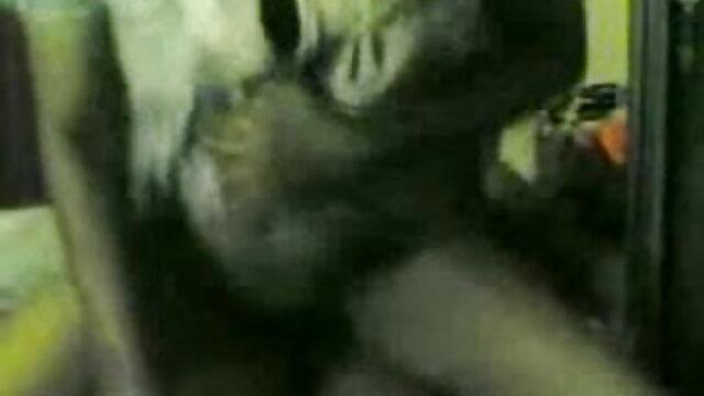 काले रंग सेक्सी मूवी सेक्सी पिक्चर की ब्रा में पति की पत्नी