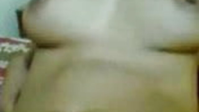 पतली गोरा टैटू आदमी रसोई में सही गड़बड़ हो सेक्सी वीडियो हिंदी में मूवी जाता है
