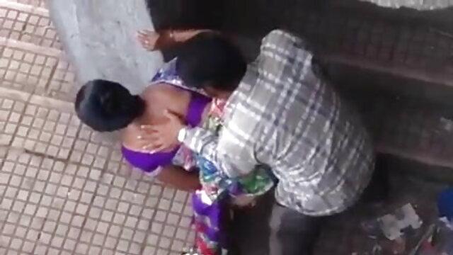 एक आदमी ने सेक्सी फिल्म वीडियो फुल एक अपवित्र श्यामला के भट्ठा को चाटा और उसे गधे में गड़बड़ कर दिया