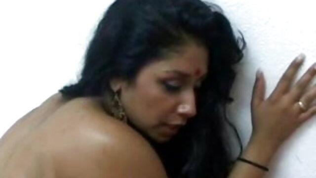 एक फुल सेक्स हिंदी फिल्म परिपक्व busty लड़की गड़बड़
