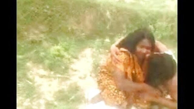 दो समलैंगिकों स्ट्रैपआन के साथ एक प्रेमिका हिंदी पिक्चर सेक्सी मूवी डबल प्रवेश की व्यवस्था करते हैं
