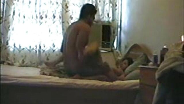 सेक्स में एक अनुभवी व्यक्ति के पास फुल मूवी सेक्सी पिक्चर उसकी झाड़ी में उसकी पीठ पर टैटू के साथ एक परिपक्व महिला है