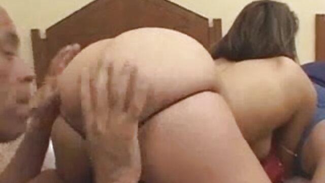 पैंटी लड़की की चूत में धंस गई सेक्सी फुल मूवी वीडियो
