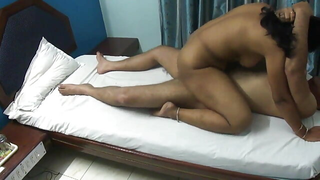 सेक्स के दौरान चिल्लाती है हिंदी सेक्सी फुल मूवी