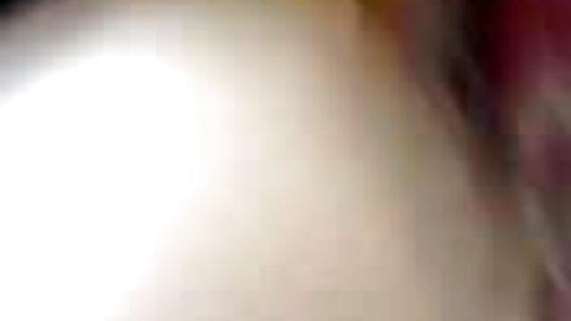अभिनेत्री सेक्सी मूवी हिंदी में वीडियो सारा की ने अपने अंडरवियर को नापा और अपने प्रेमी को बेडरूम में उसकी चूत में डाल दिया