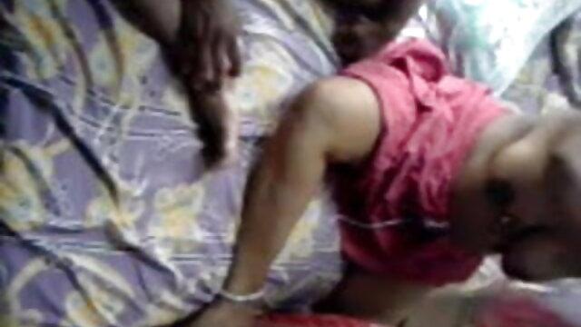 माचो एक कलाई घड़ी में पार्क में छोटे स्तनों वाली एक लड़की को पीटता है हिंदी मूवी सेक्सी वीडियो