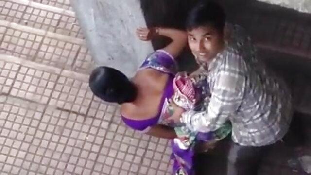चार गर्लफ्रेंड सेक्सी वीडियो मूवी हिंदी में स्ट्रिप खेलते हैं