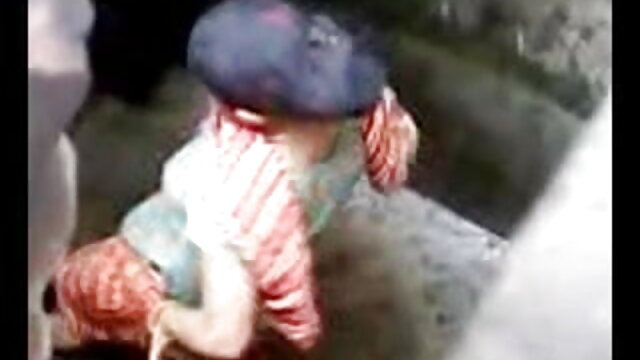 कैम पर परिपक्व महिला विशाल सेक्सी मूवी हिंदी स्तन दिखाती है