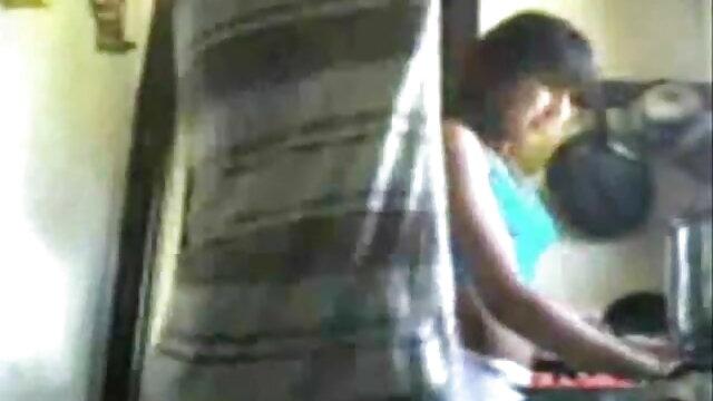 चूत की सेक्सी वीडियो फुल मूवी हिंदी फुहार मैराथन